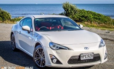 2014 Toyota 86 GT - Car Review