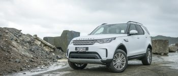2017 Land Rover Discovery HSE TDV6 - Car Review - Cruising The Beaten Tracks in Luxury