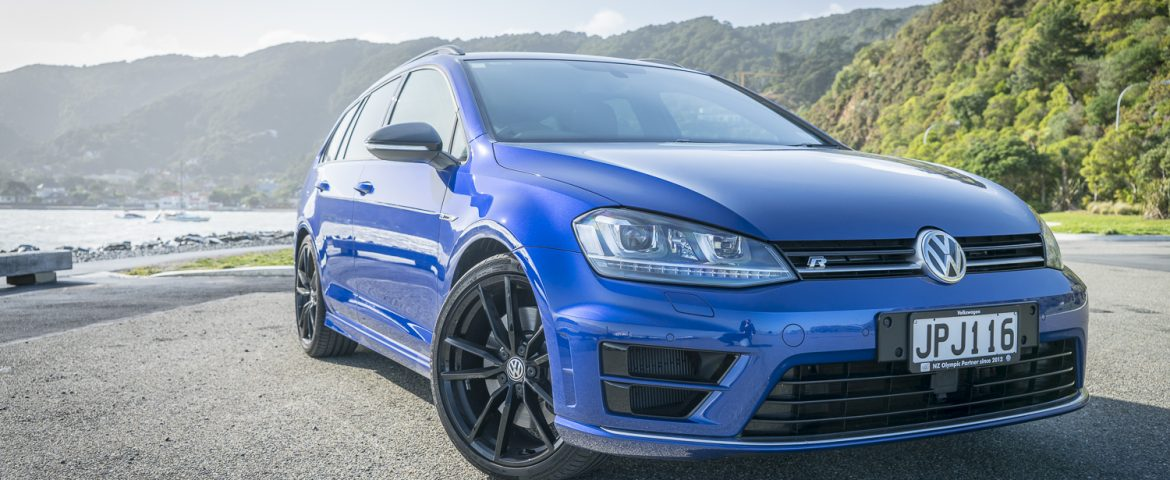 2016 vw golf r wolfsburg edition car review the ultimate golf drive life. Black Bedroom Furniture Sets. Home Design Ideas