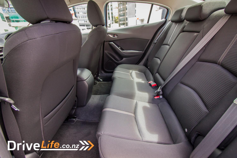 drive-life-2016-mazda3-gsx-8