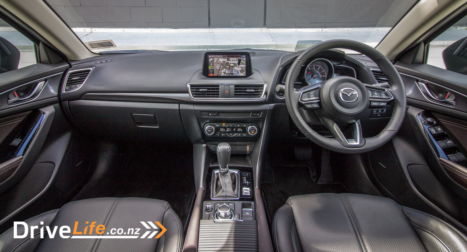 drive-life-2016-mazda3-sp25-limited-18