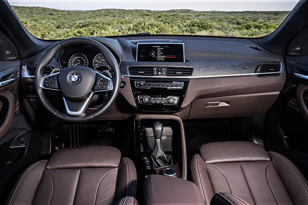 2016-BMW-X1-Interior-Fromt
