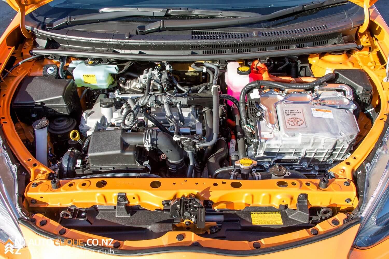 Toyota-Prius-C-9348