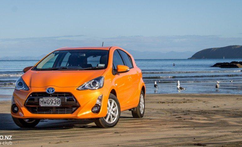 Toyota Prius c s-Tech – Car Review – The Eco City Car?