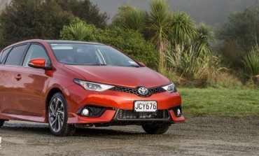 Toyota Corolla Levin ZR - Car Review