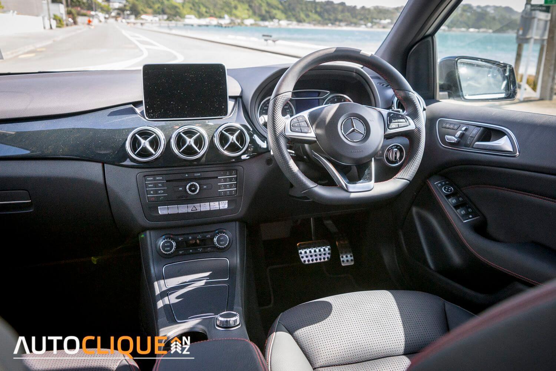 Mercedes_Benz-B250-RoadTest-Review-12