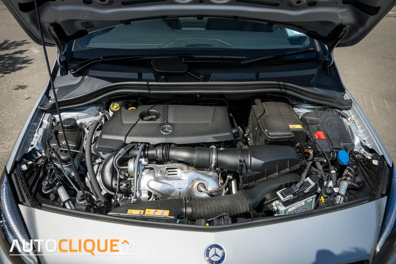 Mercedes_Benz-B250-RoadTest-Review-9