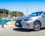 2016 Lexus ES 300H – Car Review – Where is my driver?
