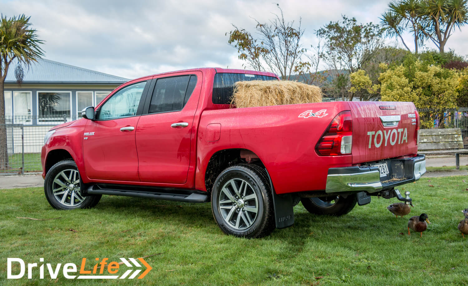 Car-Review-2016-Toyota-Hilux-Limited-4099