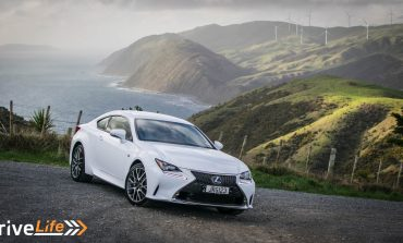 2016 Lexus RC200t F Sport - Car Review - The Comfy Way To Look Exciting