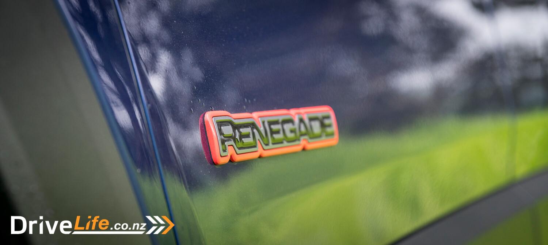 2016-jeep-renegade-trailhawk-car-review-15