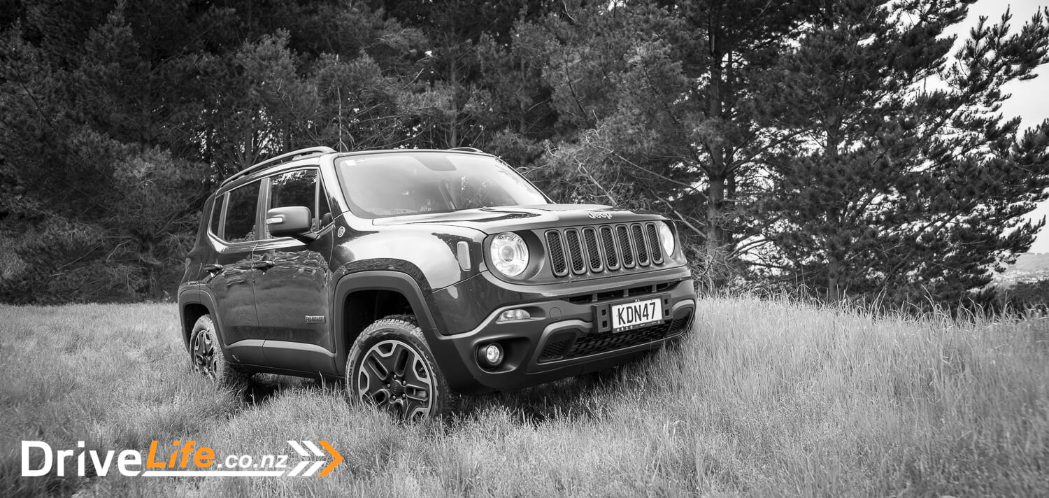 2016 jeep renegade trailhawk car review the trending small suv drive life. Black Bedroom Furniture Sets. Home Design Ideas