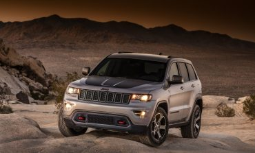 Press Release: 2017 Jeep Grand Cherokee goes further off road, adds more features and offers remarkable performance