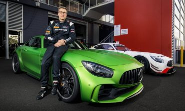 Press Release : Mercedes-AMG GT R sets new production car lap record at Mount Panorama