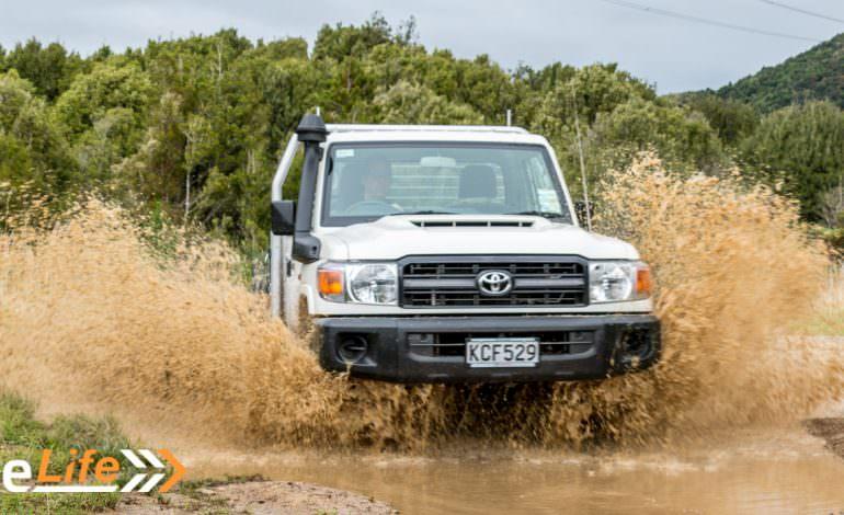 2017 Toyota Land Cruiser 70 - Car Review - Go-Anywhere Work Truck