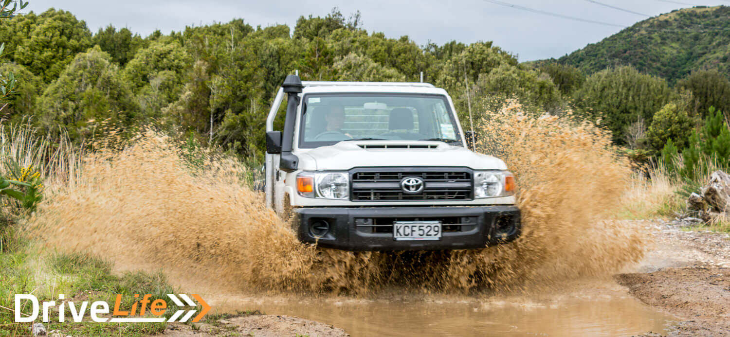 2017 toyota land cruiser 70 car review go anywhere work truck. Black Bedroom Furniture Sets. Home Design Ideas