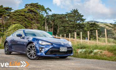 2017 Toyota GT86 - Car Review - A Proper Driver's Car