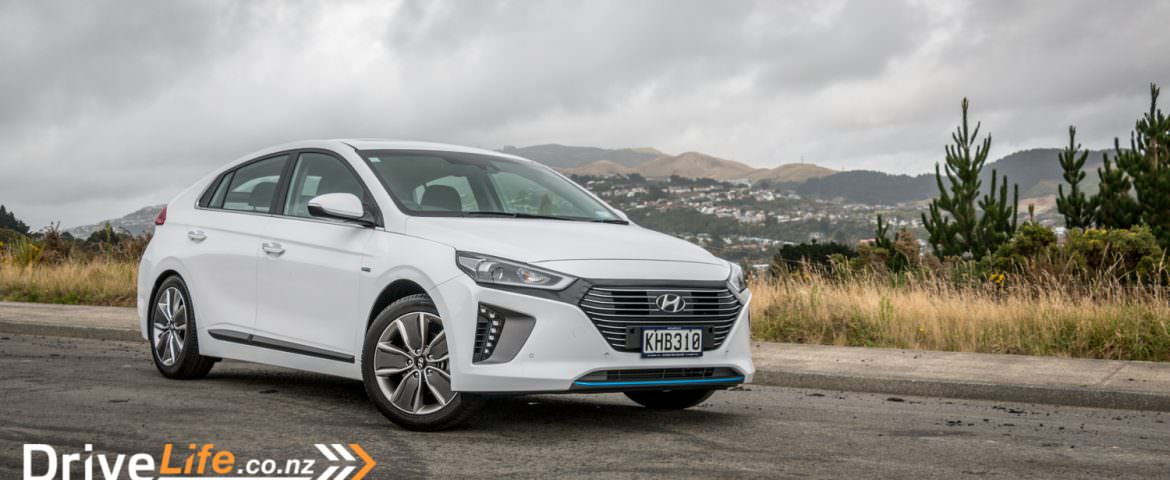 2017 Hyundai Ioniq Hybrid – Car Review – Move over, Prius!