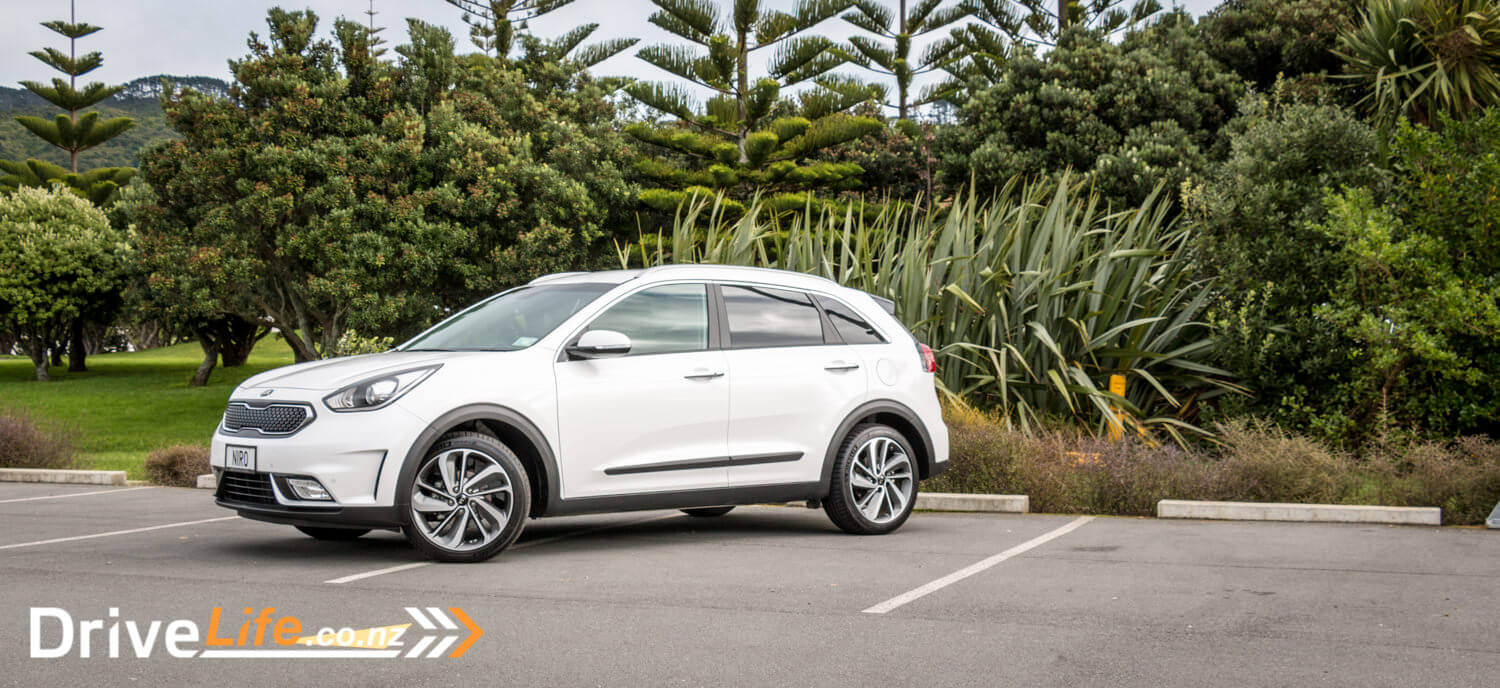 2017 kia niro hybrid first test review the quicker autos post. Black Bedroom Furniture Sets. Home Design Ideas