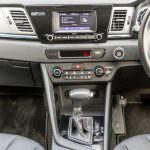 2017-Kia-Niro-EcoHybrid-Car-Review-19