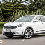 2017-Kia-Niro-EcoHybrid-Car-Review-2