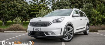 Kia Niro Eco Hybrid - Car Review - Kia's Crossover to Hybrid