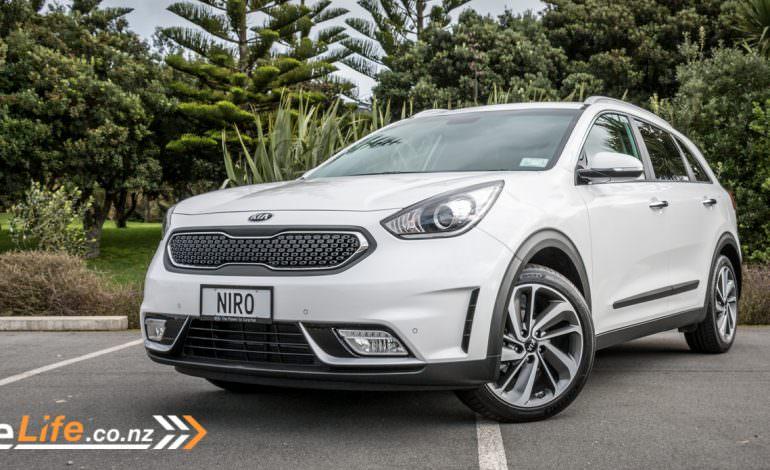 Kia Niro Eco Hybrid - Car Review - Kia's Crossover to Hybrid