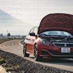 2017-Peugeot-308-GTi-Car-Review-023