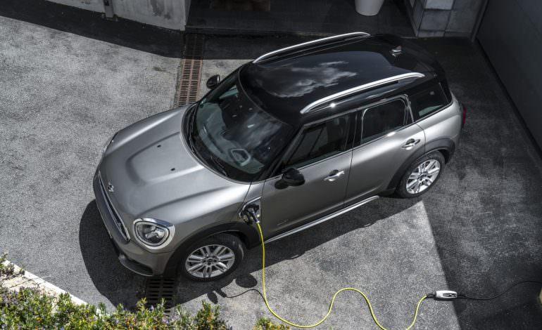 Press Release: Agile, versatile, electrifying: The Mini Cooper S E Countryman ALL4.
