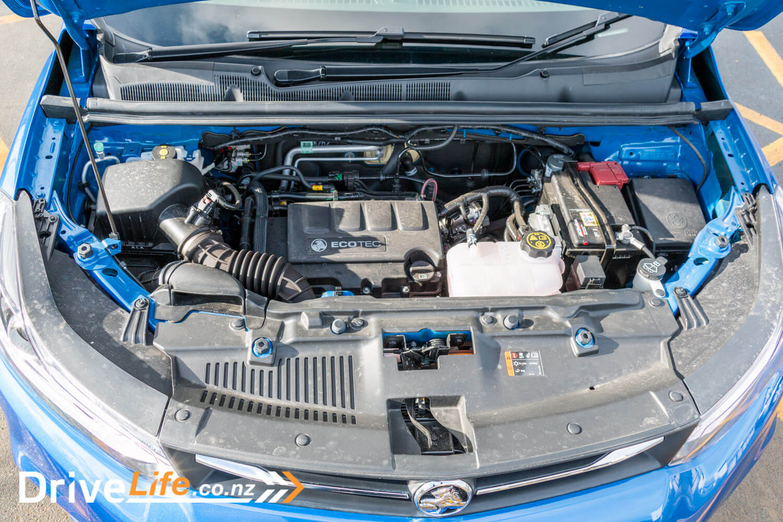2017-Holden-Trax-Rio-Car-Review-24
