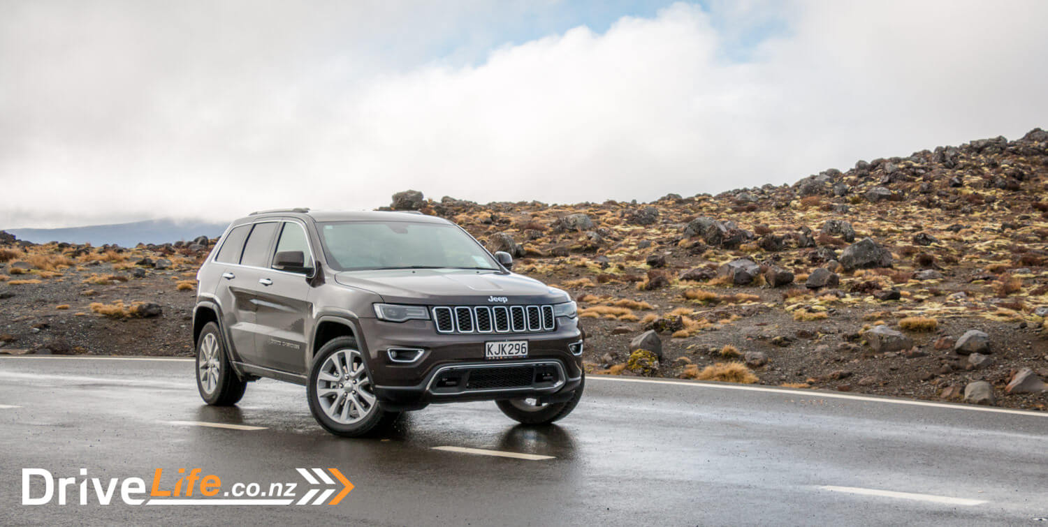 2017-Jeep-Grand-Cherokee-Car-Review-52
