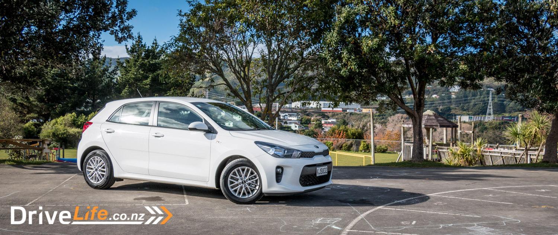 2017-Kia-Niro-Rio-Car-Review-5