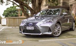 2017 Lexus IS300h Limited – Car Review – smooth, silent, not so stylish