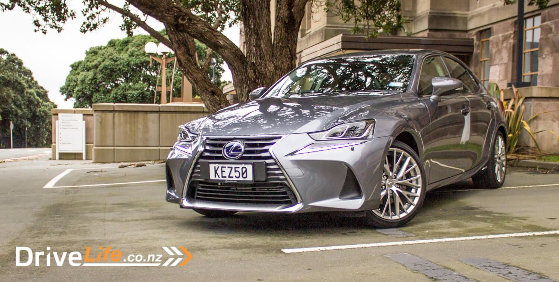 2017-drive-life-lexus-is300h-car-review-01