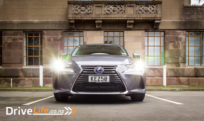 2017-drive-life-lexus-is300h-car-review-011