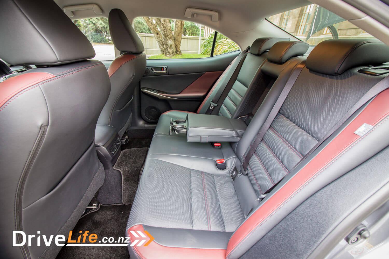 2017-drive-life-lexus-is300h-car-review-019