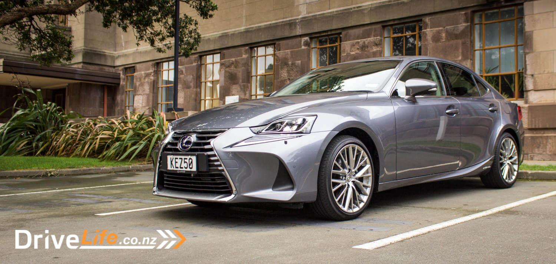 2017-drive-life-lexus-is300h-car-review-02