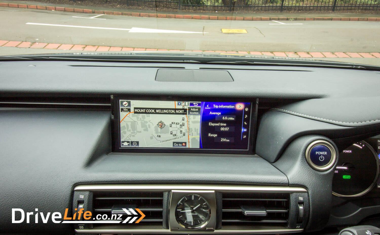 2017-drive-life-lexus-is300h-car-review-027