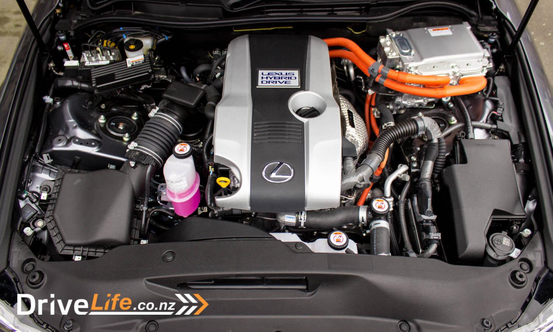 2017-drive-life-lexus-is300h-car-review-030