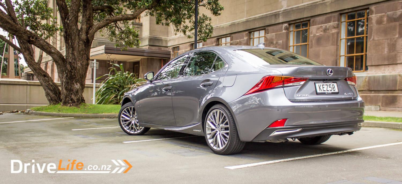 2017-drive-life-lexus-is300h-car-review-06