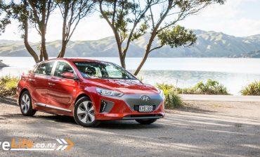 2017 Hyundai Ioniq EV - Car Review - Electric Dream?